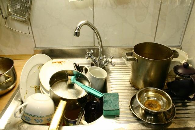 dishes-in-sink.jpg