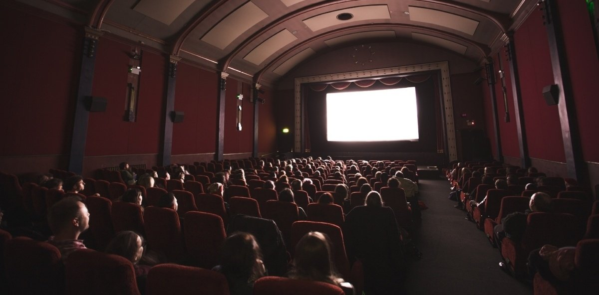 movietheater-728185-edited.jpg